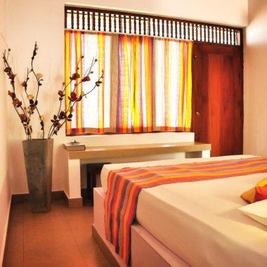 Ypsylon Resort - die weitläufige Anlage bietet Zimmer mit direktem oder seitlichem Meerblick