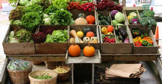 Wochenmarkt Sri Lanka aus den heimischen Gärten
